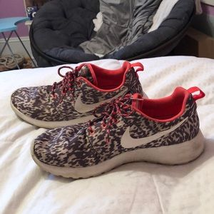 Neon and cheetah print Nike Roshe's